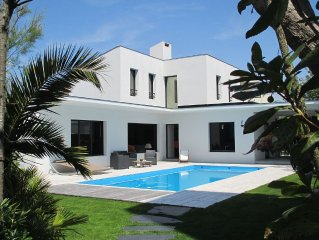 beautiful modern villa with heated pool near: sea, golf, tennis and shops
