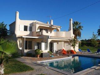 Wonderful Algarvian Style Villa, Swimming Pool, Garden, Marble Floor, Prime Are