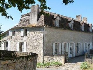 ''Chartreuse périgourdine'' XVII century: Charm and comfort, 4 star house