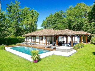 MOLIETS: VILLA LANDAISE 10 PEOPLE. NEAR OCEAN, JACUZZI, HEATED POOL, WIFI