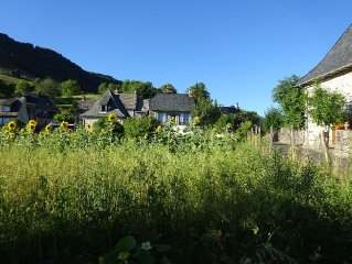 House Auvergne in Cantal hamlet