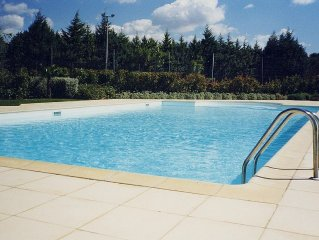 Mazet T2 climatisé en provence, jardin privatif, piscine, tennis, golf