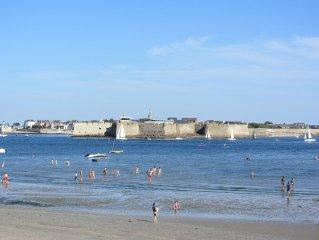 Bord de mer Maison rénovée 50 m de la plage de la Nourriguel