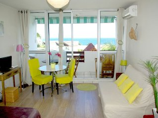 Charming Studio with sea view & sunset. 300 meter