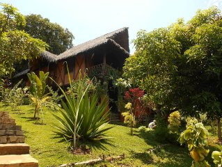CHARMING BUNGALOW 6 PEOPLE UNDER MANGUIERS VIEW O