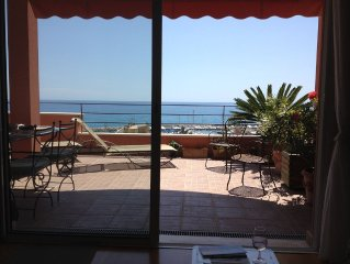 2 pièces (4 pers) terrasse panoramique , vue mer et ville, résidence luxueuse