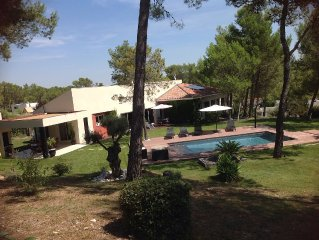 Villa contemporaine, tout confort avec piscine dans jardin paysagé 3 k