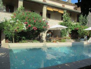 Mas provençale 18ème, 10 personnes, climatisée, piscine chauffée, proche Uzès