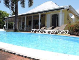 Amarante, villa 8/10 Pers, vue mer, piscine sécurisée, plage accessible à pied