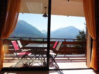 Bel appartement T3 spacieux - prox. lac Serre-Ponçon - vue panoramique montagnes