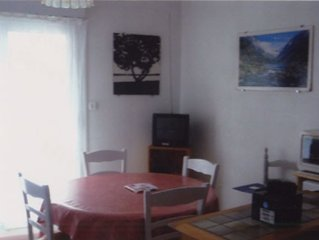 Beautiful apartment (T2) very clear mountain Sleeps 4 Cauterets.