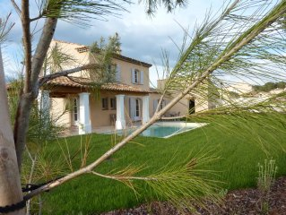Villa with pool for 6 to 10 persons in Provence with nearby golf