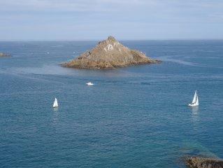 Vue mer panoramique 250° des 10 fenetres !! Classe meuble de tourisme 4 etoiles.