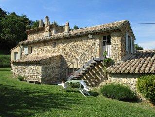 Gite de charme dans ancienne ferme de caractere proche Vaison la Romaine.