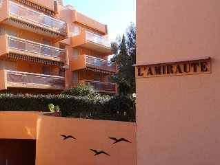 Nice studio 4 persons modern and comfortable 200 m from the beach.