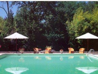 Domaine de la Dragonette Mas du XVIII au coeur de la Provence- Luberon-Avignon