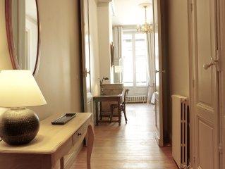 Très bel appartement meublé de 84 m2 rénové par un architecte d'intérieur