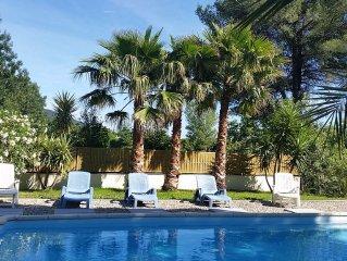 Bastide sur ancien domaine viticole avec piscine et WIFI pour 11 personnes