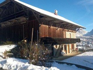 Magnifique ferme avec vue sur lac, au calme, proche des sations de ski.