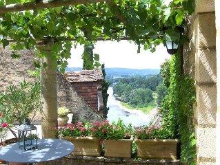 La Treille,maison de charme,au coeur de Beynac.