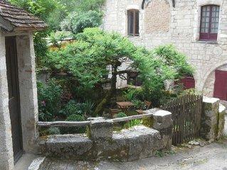 Location de charme a Saint Cirq La Popie, village medieval dans le Lot