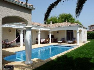 Villa contemporaine paisible avec piscine chauffee