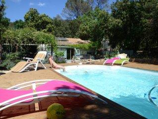 Belle villa familliale avec piscine coeur Garrigue calme proche village et mer