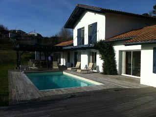 Belle Villa Type basque Contemporaine, beaucoup de charme