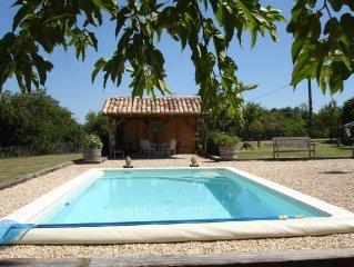 Demeure de charme en pierres avec piscine privée et pool house