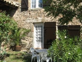 At the heart of the Corbières warm welcoming detached cottage T3 4 people