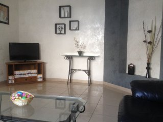 STOREY APARTMENT IN THE MODERN AND LOOKED AFTER DECORATION