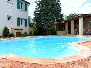 maison avec piscine, coin d'été en Sud Ardèche,classée 3 étoiles