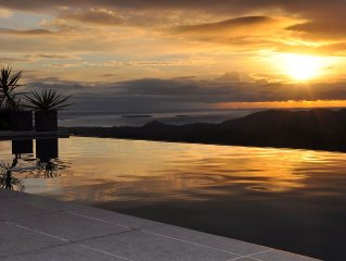 Villa spacieuse avec piscine, vue sur la mer,  4 chambres, 8 couchages