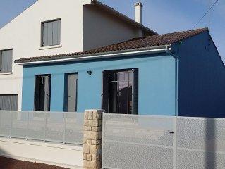 Maison individuelle refaite a neuf, Proche de La Rochelle, 300m de la plage