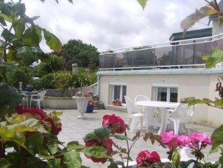 appart belle vue mer,terrasse fleurie a 3km de l'ile de brehat avec spa