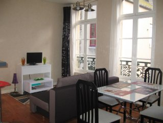 Intra muros appartement lumineux 4 a 6 couchages