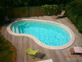 Villa piscine calme, vieux centre Salon de Provence (ideale famille)