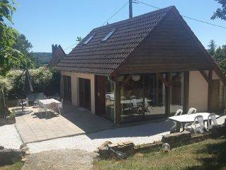 Maison sur colline fleurie, calme a quelques pas du centre ville et de Lascaux 4