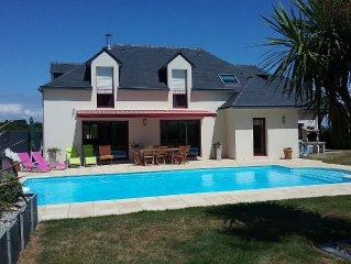 Maison moderne, piscine couverte chauffée, près des plages, 10 pers 5 ch,wi-fi