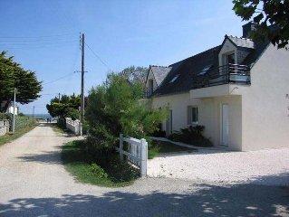 Maison avec jardin, 40m plage, pour 8 a 10 personnes, entierement equipee.