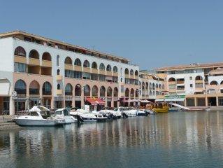 Appartement SETE, face à la mer, dans marina, 5 personnes, 1 chambre,garage