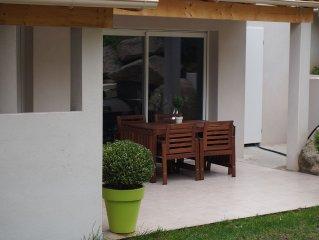 Appartement neuf F4, climatise avec jardin prive, cuisine d'ete et terrasses