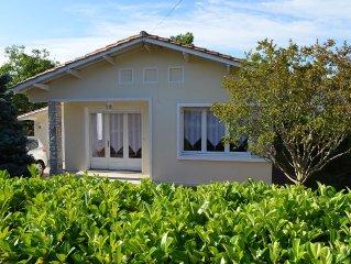 Maison située à proximité de la mer des commerces et de la gare.