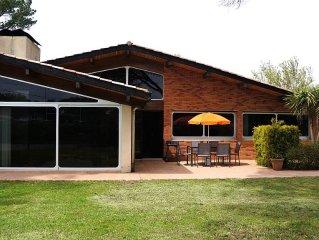 Belle villa d'architecte,  au calme entre village et lac de Soustons
