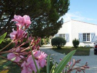 Villa 7 pers.80m de la plage-jardin clos 1000m2-au calme-à l'abri des regards