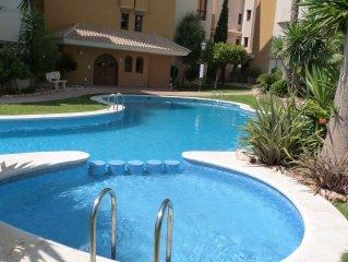 Magnifique appartement résidence grand standing avec parc tropical et piscines