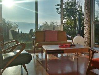 Fab view on Garda lake: radical design, 4 sleeps, 1km to downtown Salo-beaches