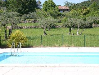 Au coeur de la Provence, dans un domaine privé de 13 hectares. Calme et douceur