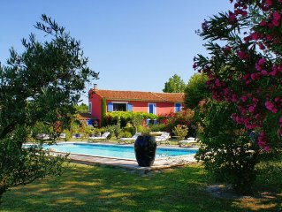 MAS DESIGN SWIMMING POOL AND TENNIS 7 ROOMS NEAR THE VILLAGE