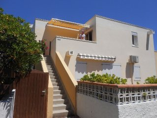 Beautiful apartment with sunny terrace 150 m from the sea and shops